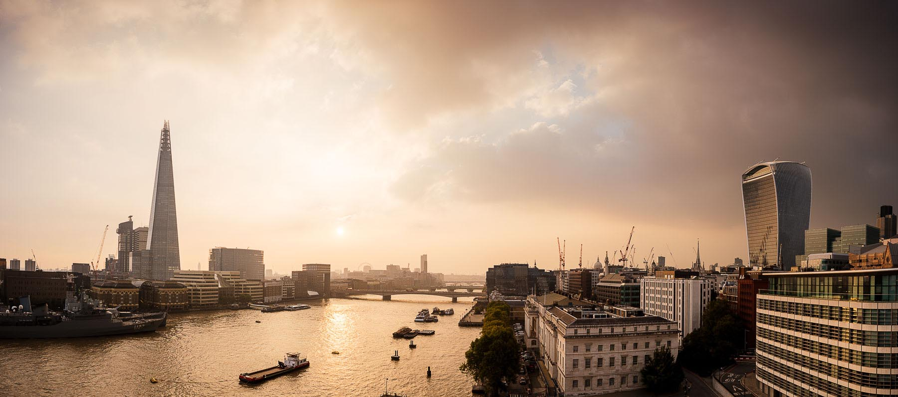 River-Thames-London-Skyline-panoramic-cityscape-12