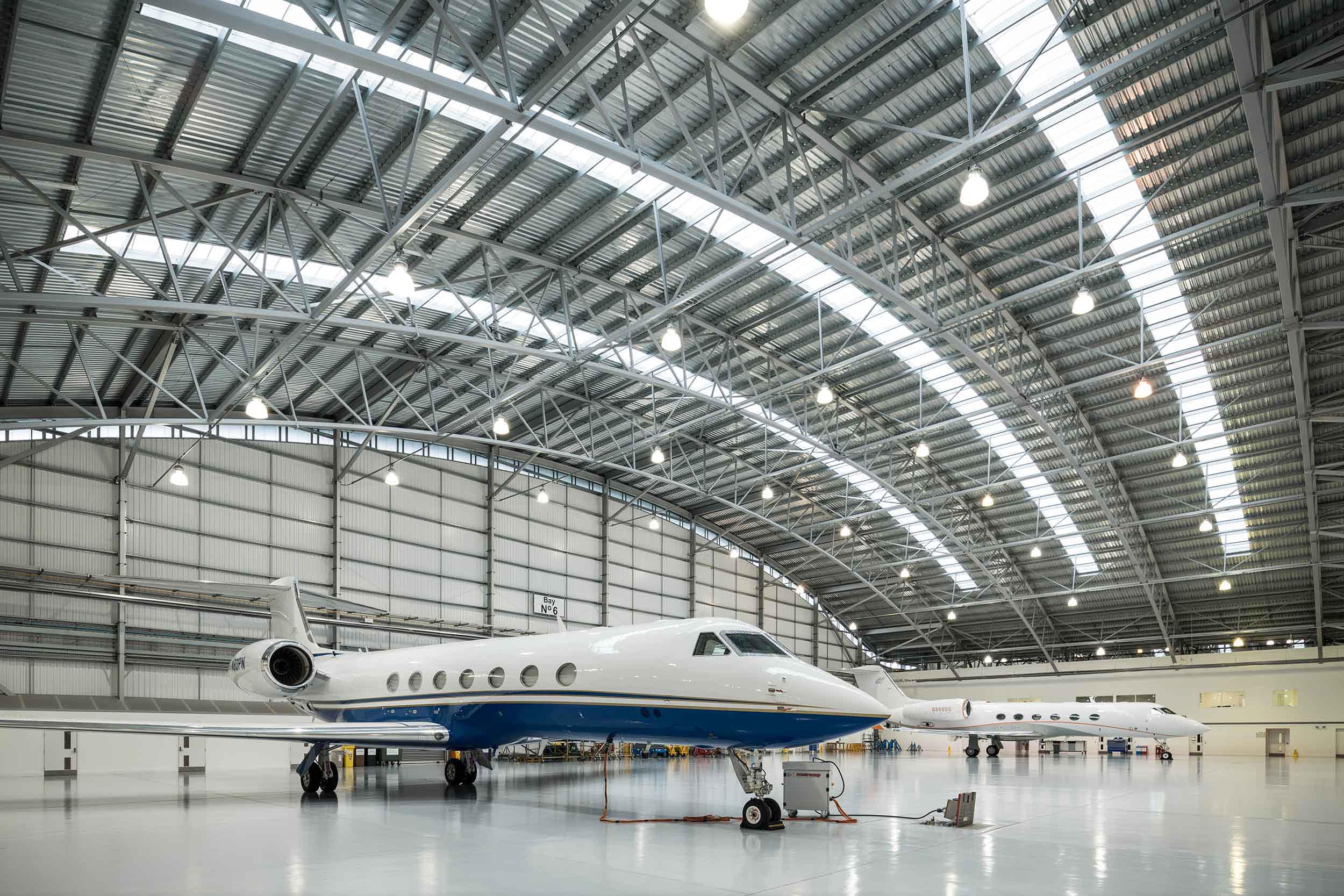 aircraft-hangar-gulfstream-jets-interior-airplane-airport-hampshire-uk