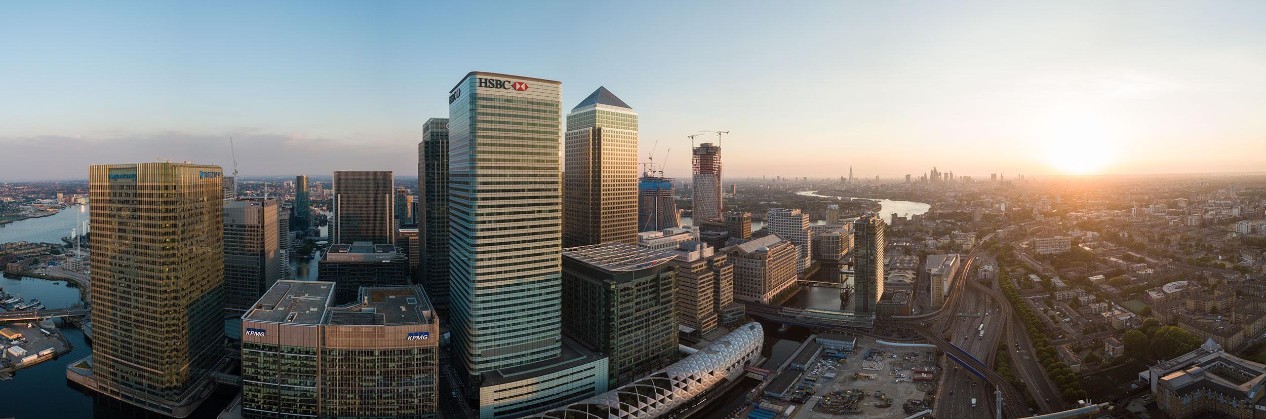 canary-wharf-london-panoramic-sunset-cityscape-docklands