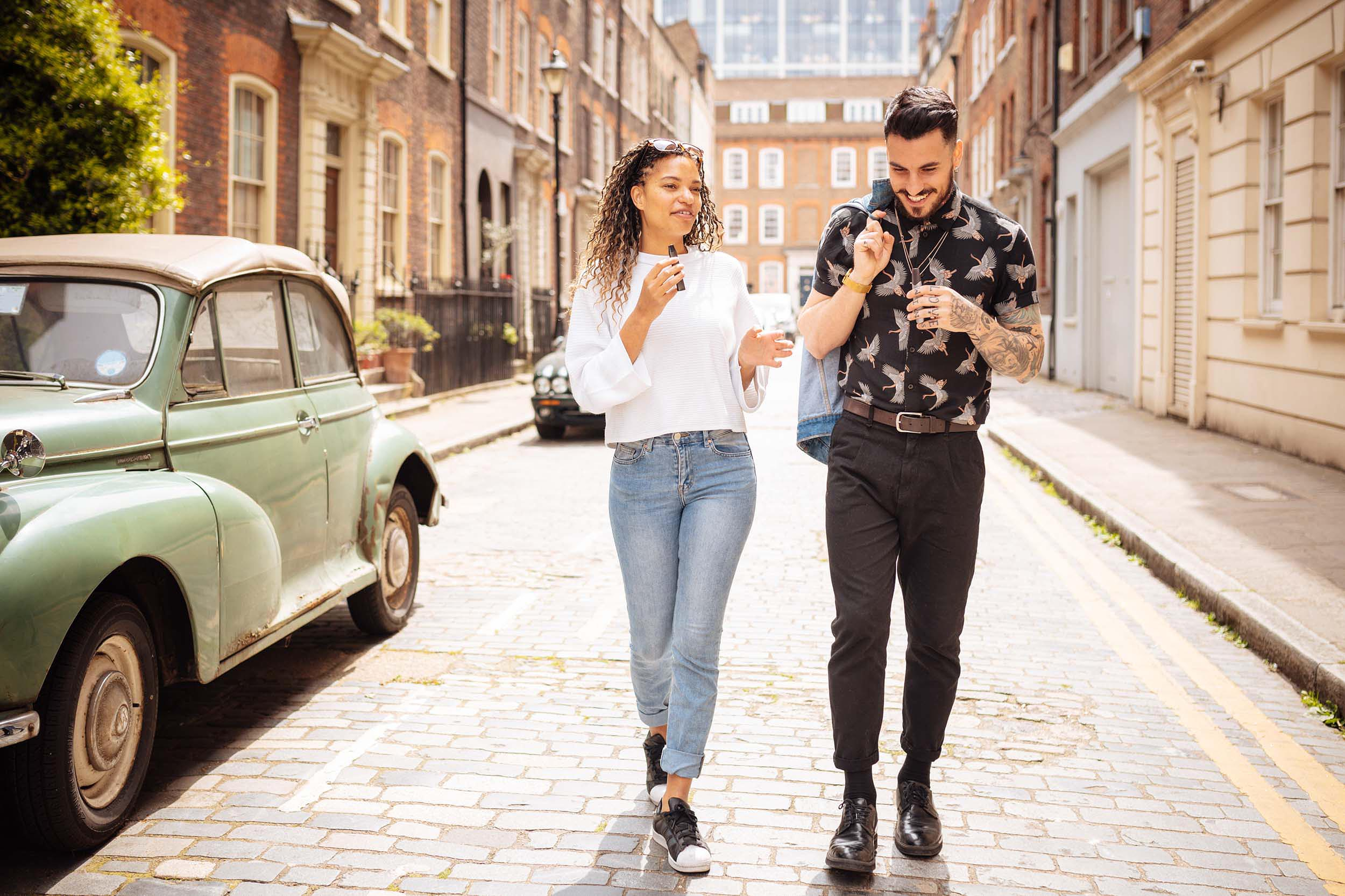 couple-walking-street-urban-lifestyle-photographer