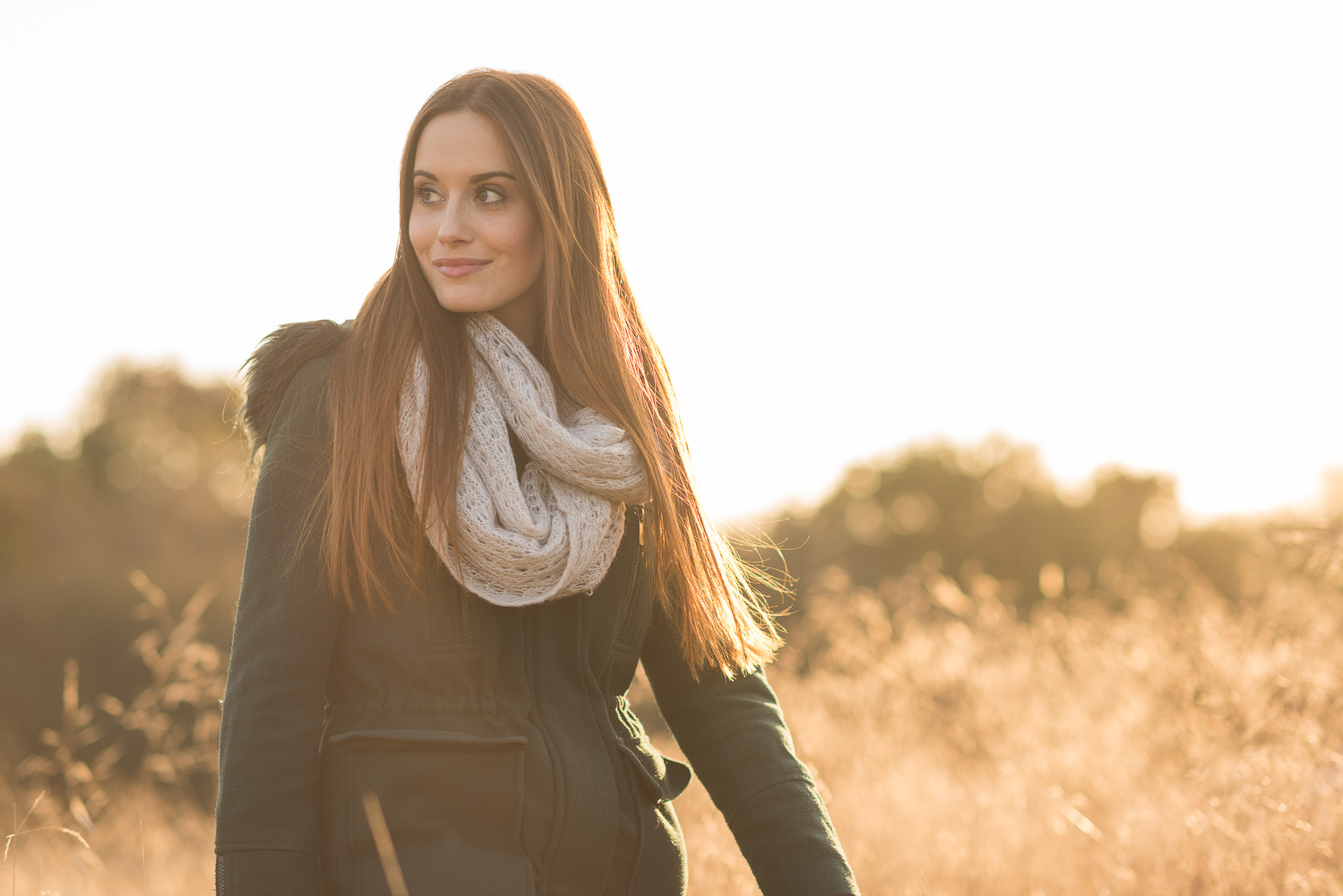 emily-winter-weather-beauty-fashion-woman-hiking-epping-forest-london-21