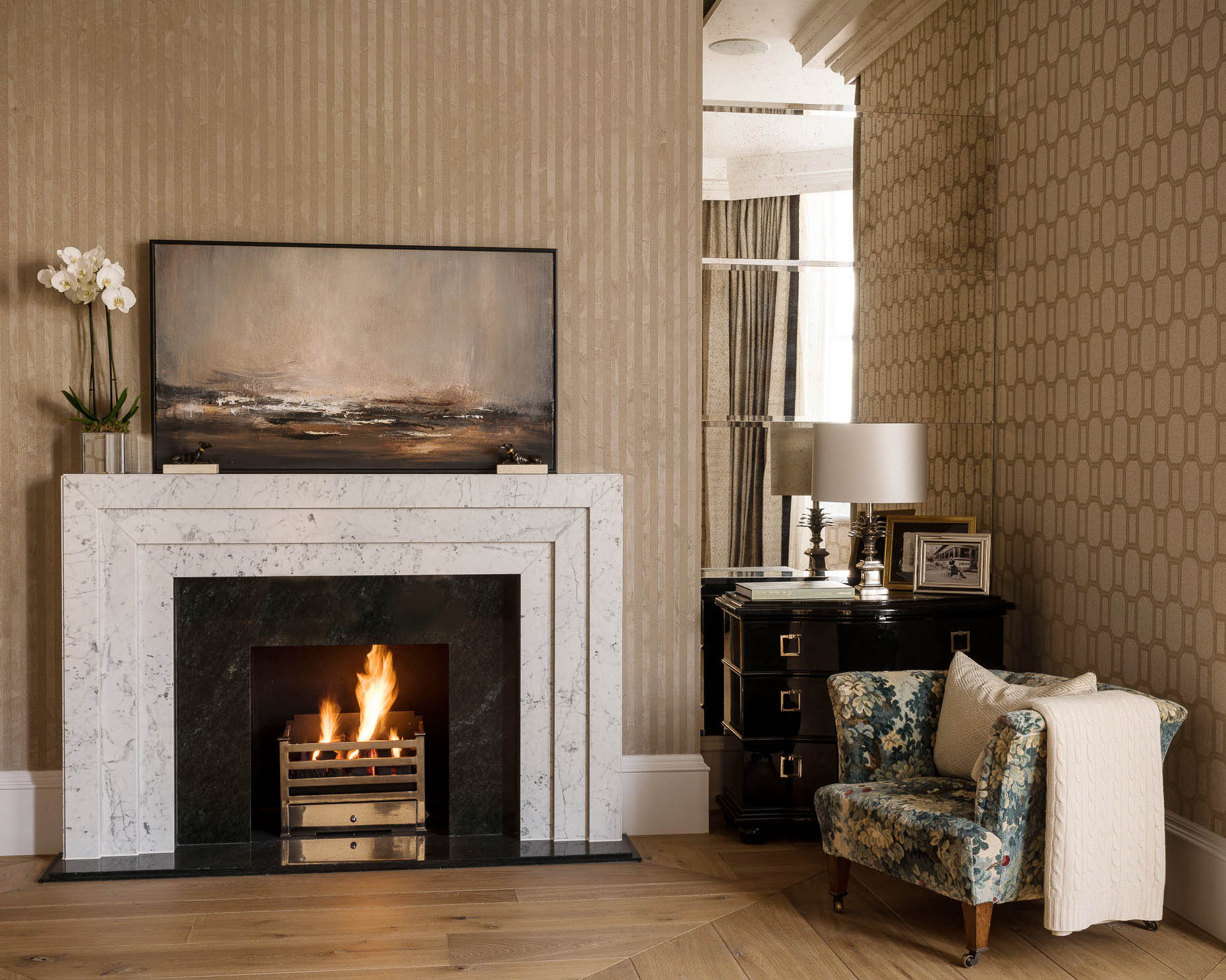 interiors-photography-london-fireplace-living-room-phillimore-gardens-kensington-02