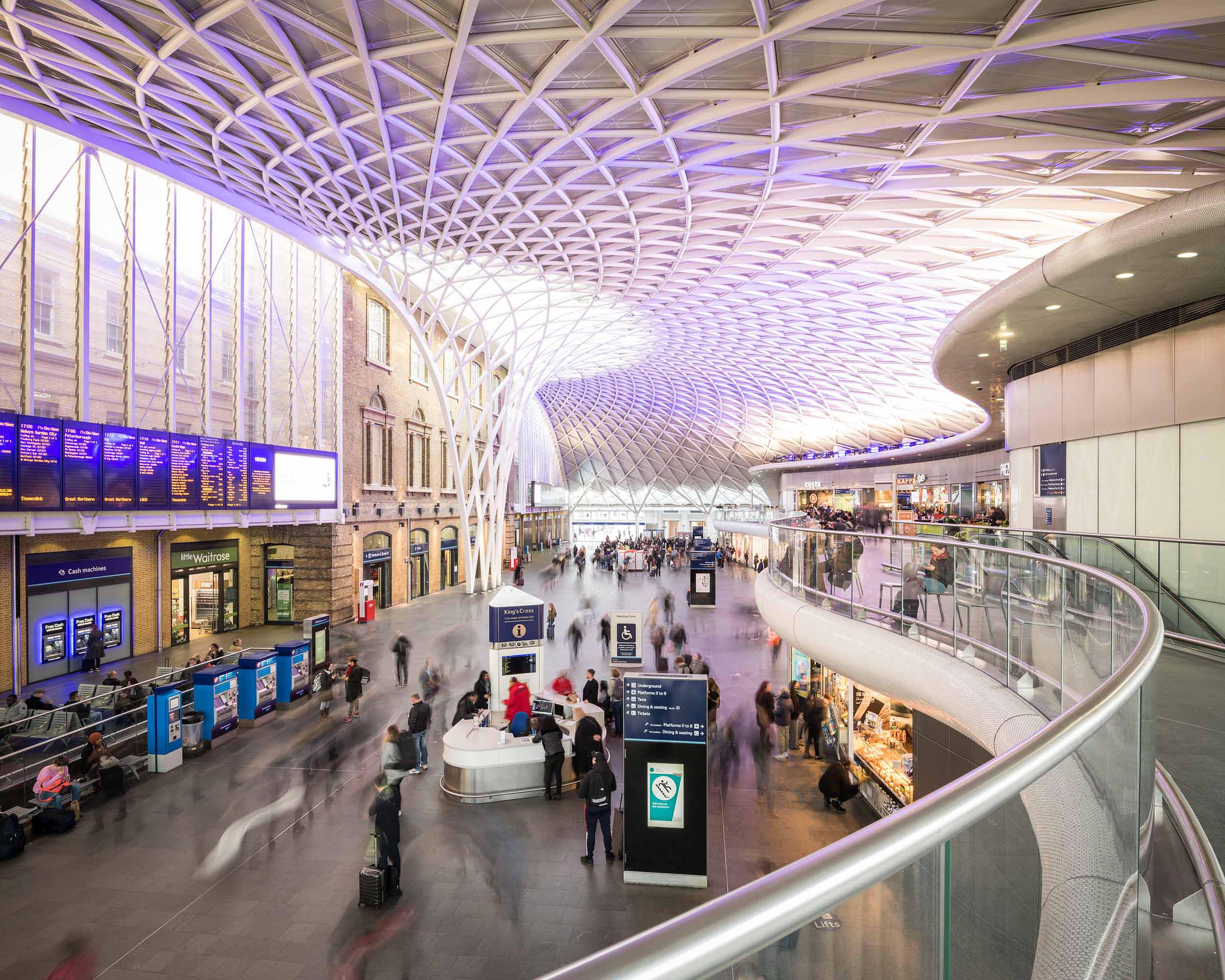 kings-cross-train-station-london-modern-architecture-interior
