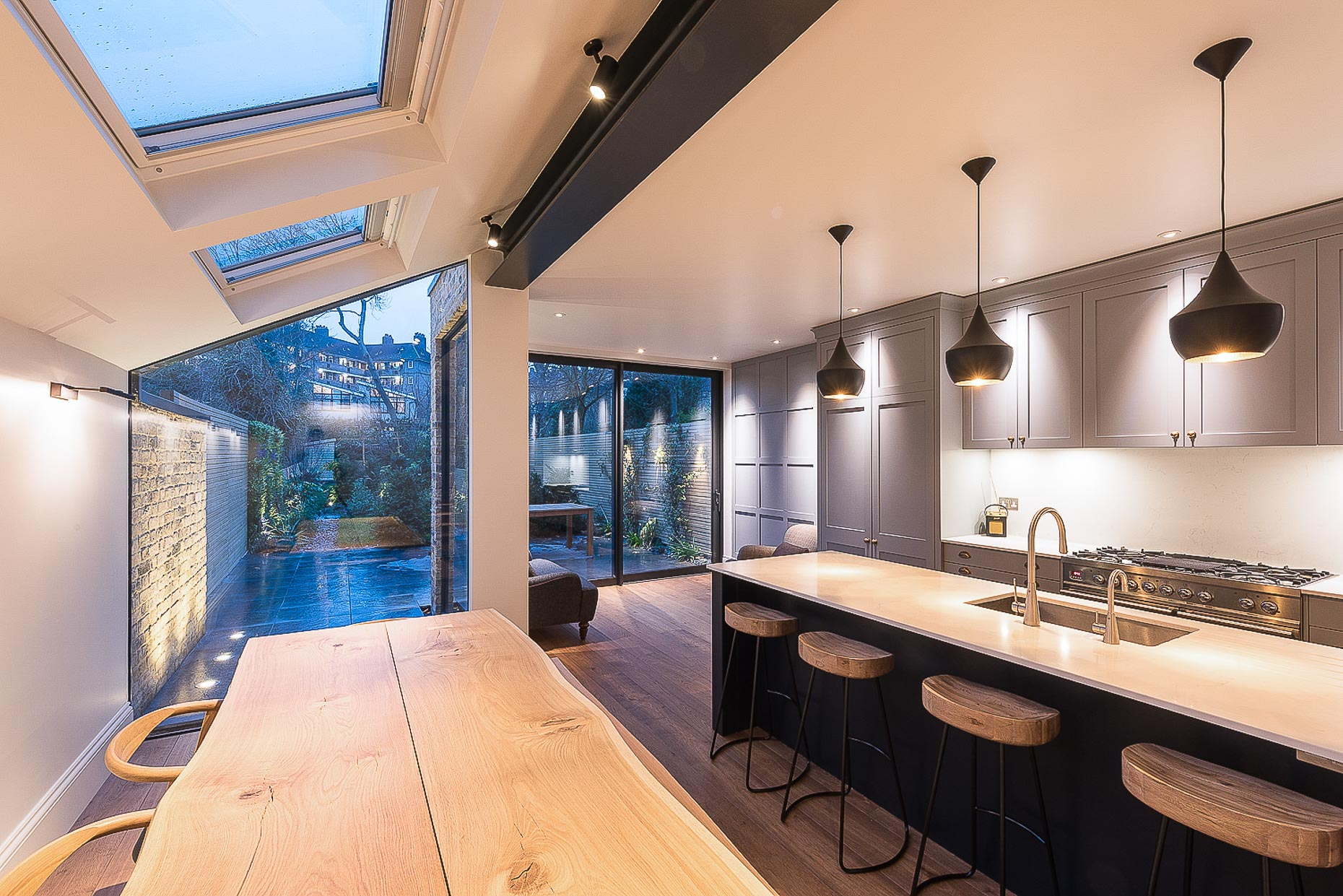 kitchen-extension-london-modern-design-pendant-lighting-interior-photo-16