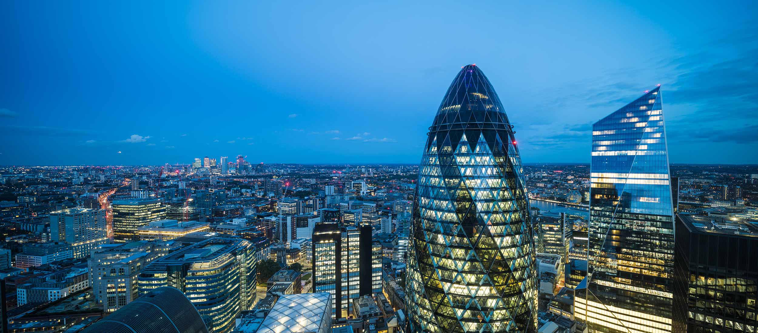 london-cityscape-night-gherkin-mary-axe-architecture-view