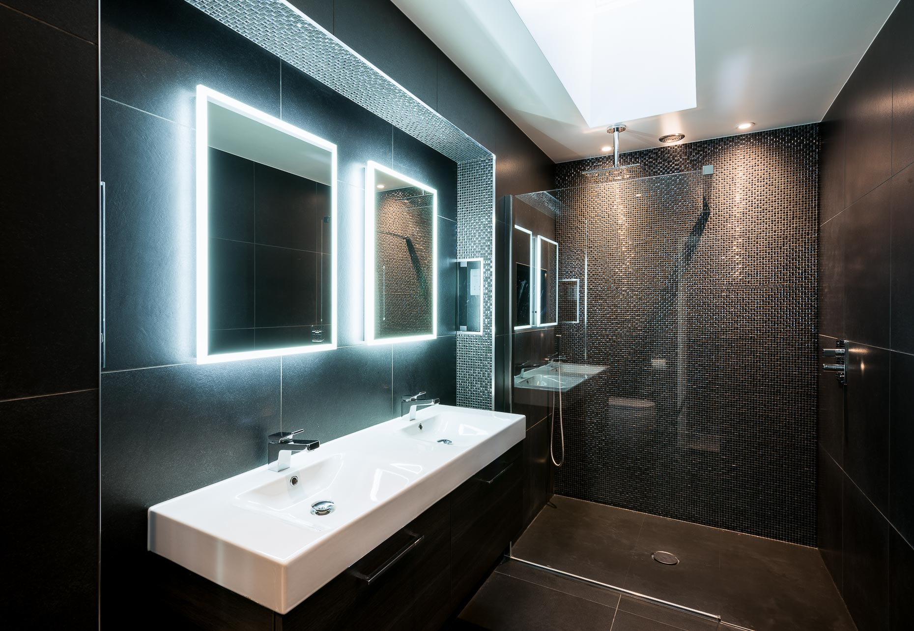 modern-bathroom-interior-dark-tiles-london-photographer-10