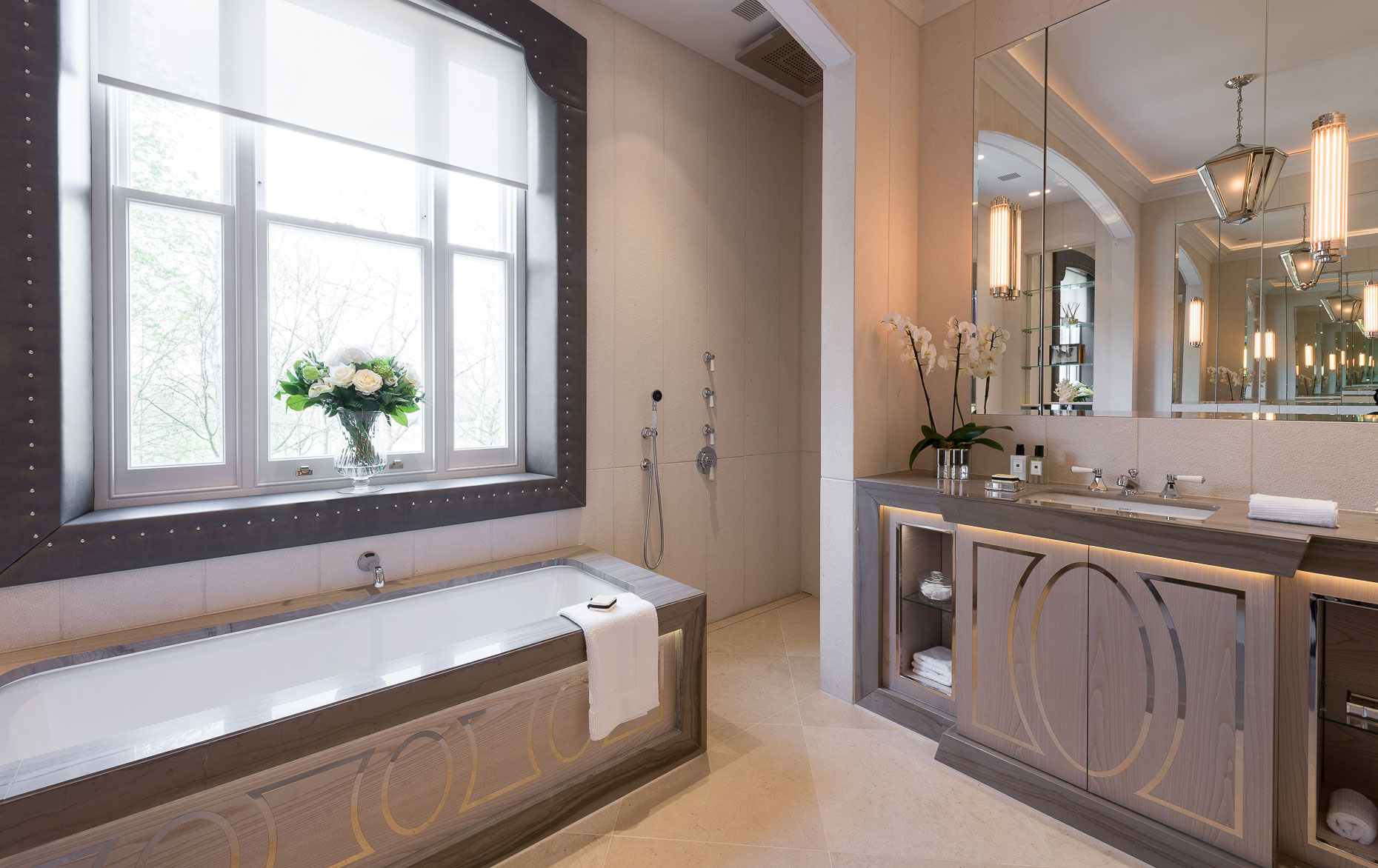 phillimore-gardens-bathroom-interior-photographer-kensington-london-property-13