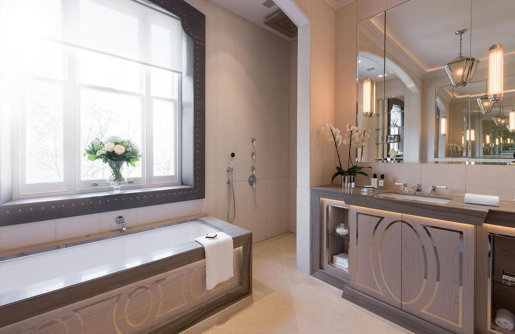 phillimore-gardens-bathroom-interior-photographer-kensington-london-property-13c