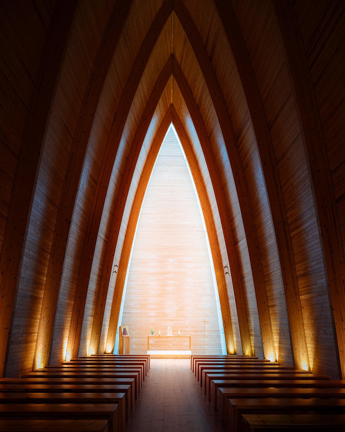 st-henrys-ecumenical-art-chapel-turku-finland-modern-interior-photography
